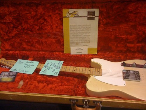 A vintage Fender guitar selling for $27,000 - would you hear the difference? (Photo: 3rdparty/Flickr)
