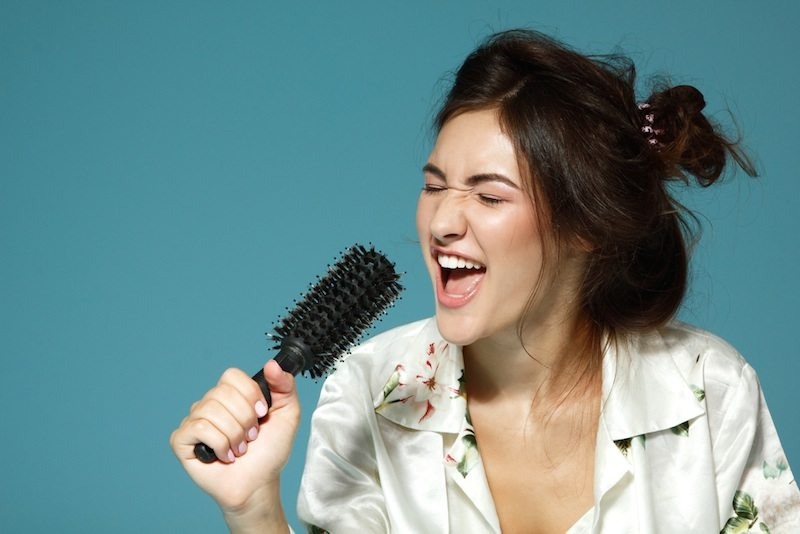 How To Improve Your Singing Voice: The 16 Keys