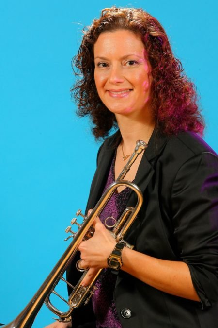 donna-with-trumpet