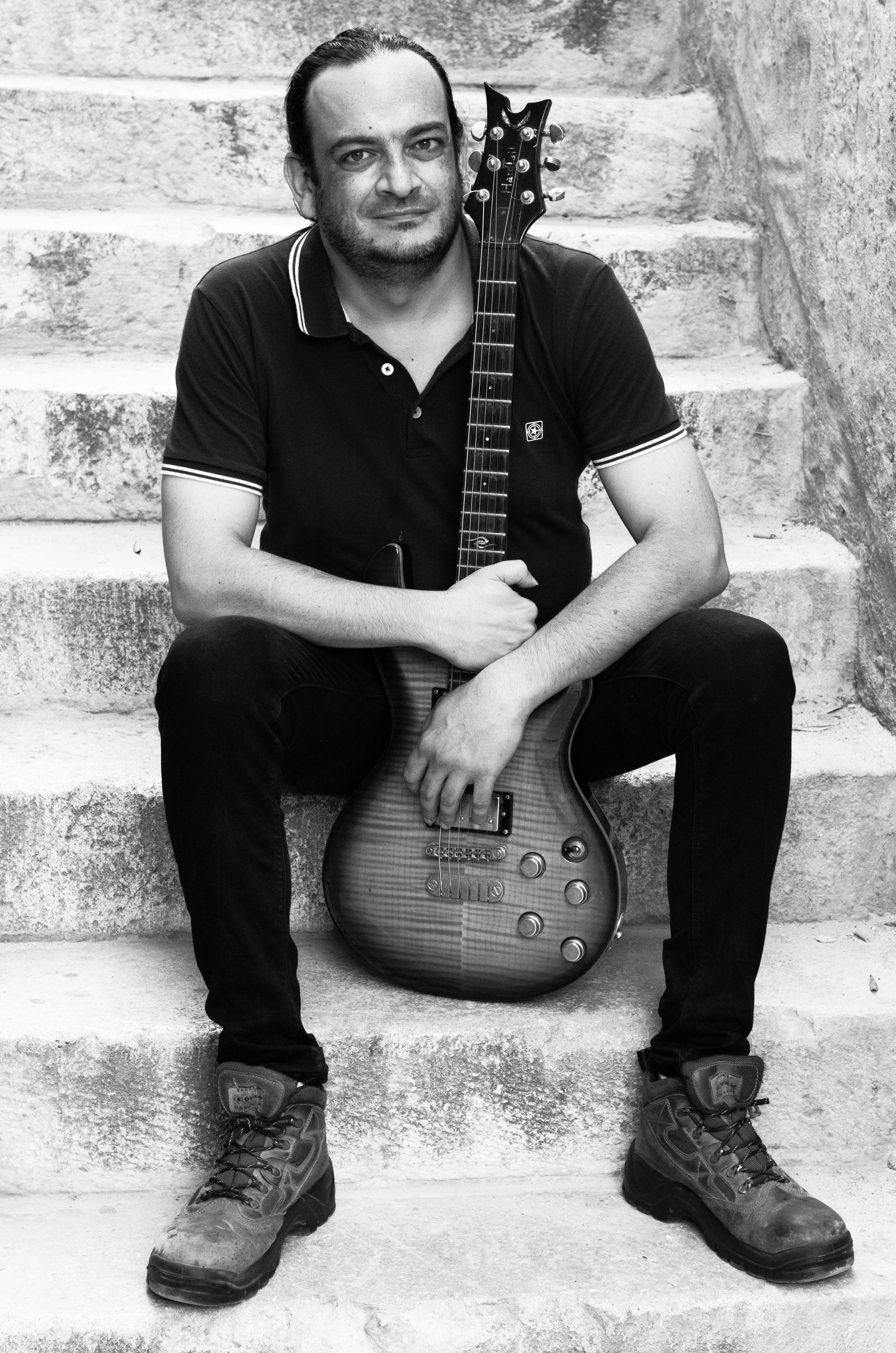 Robert learn guitar malta How to Use Rests Creatively When Improvising